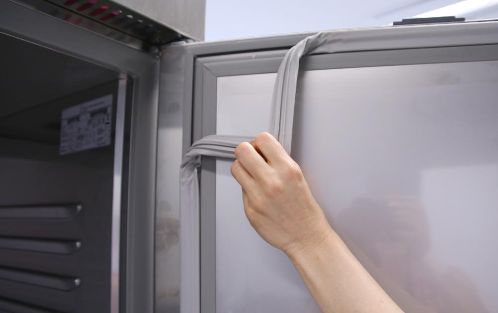 Kühlschrank Schleppscharnier : Edelstahlkühlschrank ku 725 2 türig mit trennwand kbs gastrotechnik