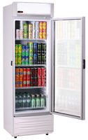 Getränkekühlschrank KBS 466 9150476 offen beleuchtet bestückt
